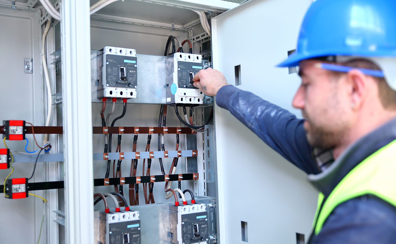 4 Reasons Circuit Breakers Trip Guidelines For Industrial Breaker Keeps Popping How Do I Troubleshoot Home Facilities Safestart